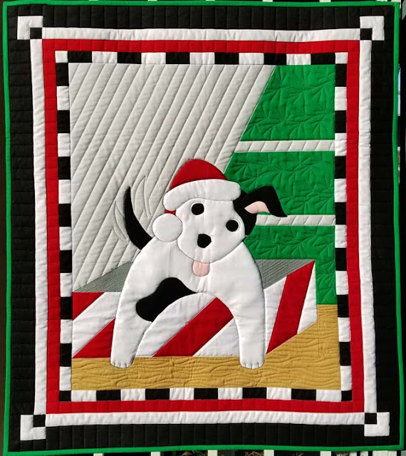 Santa's Helper puppy quilt