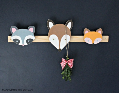 animal faces as wall hooks