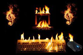 un computador portatil se puede recalentar por muchas causas una de las principales es falta de mantenimiento así que si llevas mucho con tu pc pasa por el técnico el te ayudara a corregir el recalentamiento en tu pc