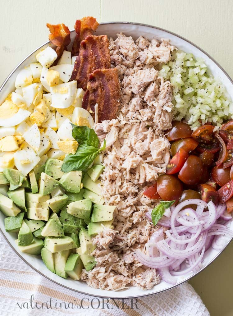 Avocado Egg Chicken Salad Recipe #Avocado #Egg #Chicken #Salad #Saladrecipe #Healthylunch #Healthydinner #Easydinner