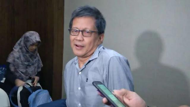Komentar Makjleb Rocky Gerung Terkait Perusakan Baliho