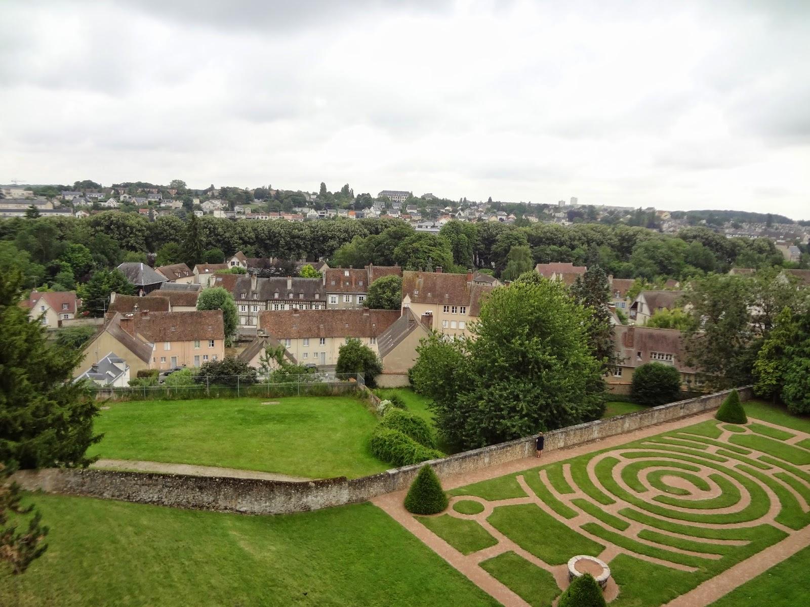 Vistas desde el exterior de la catedral de Chartres