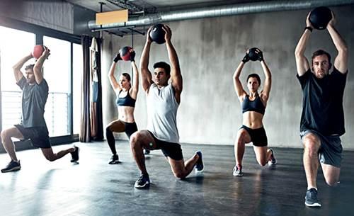 El ejercicio practicado todos los días permite quemar mucha más grasa