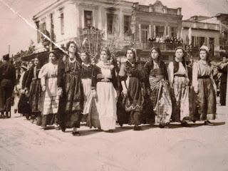 Μια παρέλαση της 25ης Μαρτίου... από το παρελθόν