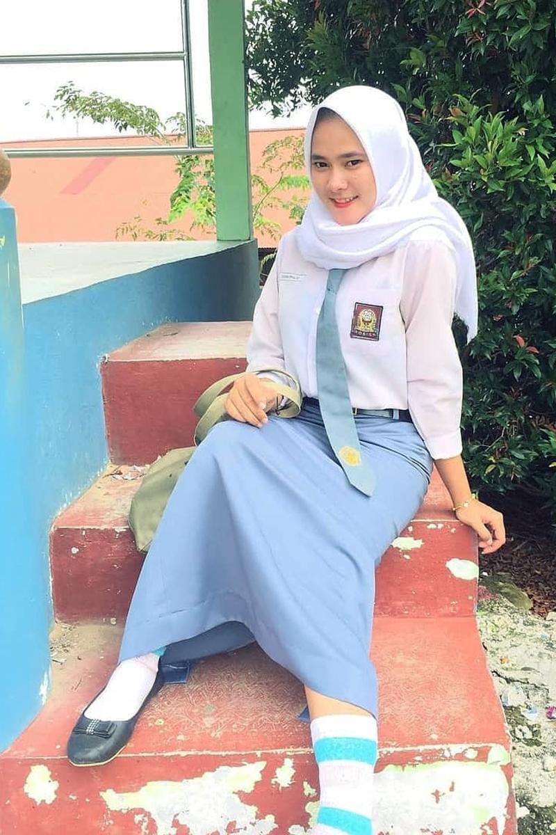 Siswi Jilbab SMA Cantik jaman sekarang