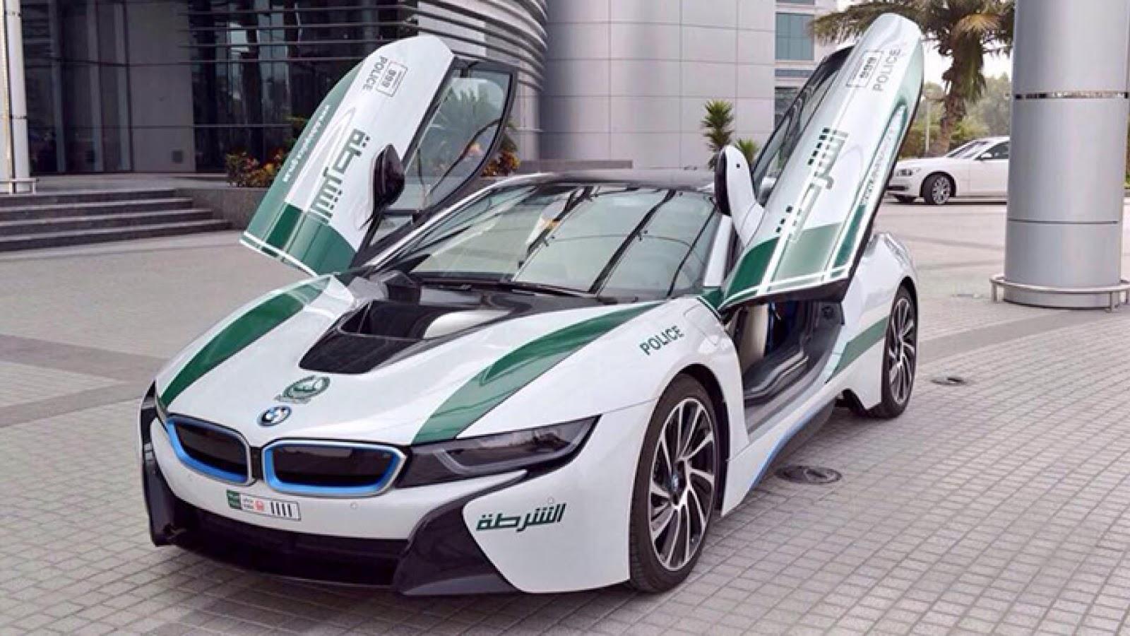 Dubai BMW i8