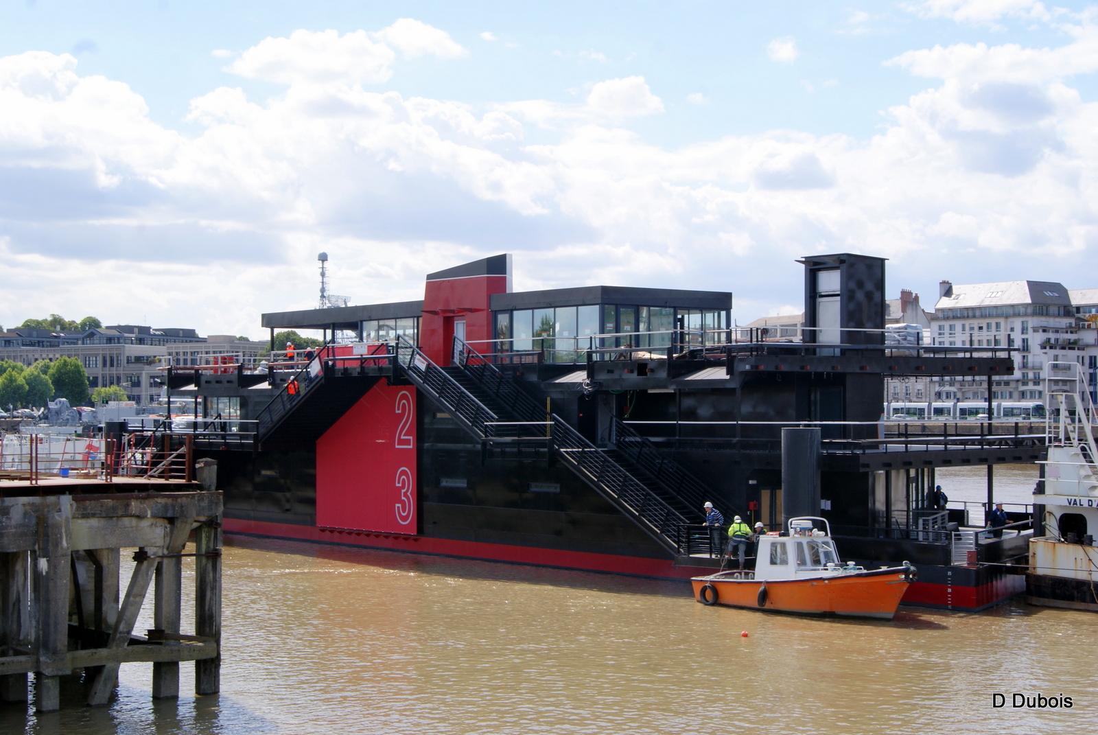 d tours de france le nantilus barge restaurant nantes. Black Bedroom Furniture Sets. Home Design Ideas