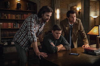 "Jared Padalecki as Sam Winchester, Jensen Ackles as Dean Winchester, Misha Collins as Castiel in Supernatural 14x03 ""The Scar"""