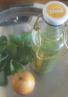 Grüner Smoothie mit Babyspinat und Nashi; Soul Bottle