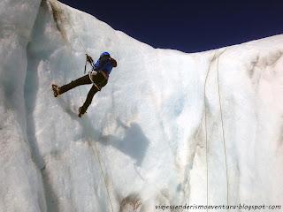 Rapelando en el glaciar Tasman