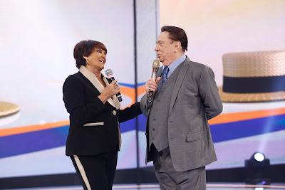 Marcia Fernandes e Raul Gil (Crédito: Rodrigo Belentani/SBT)