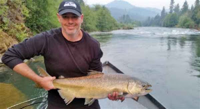 salmon-fishing-upper-rogue-river