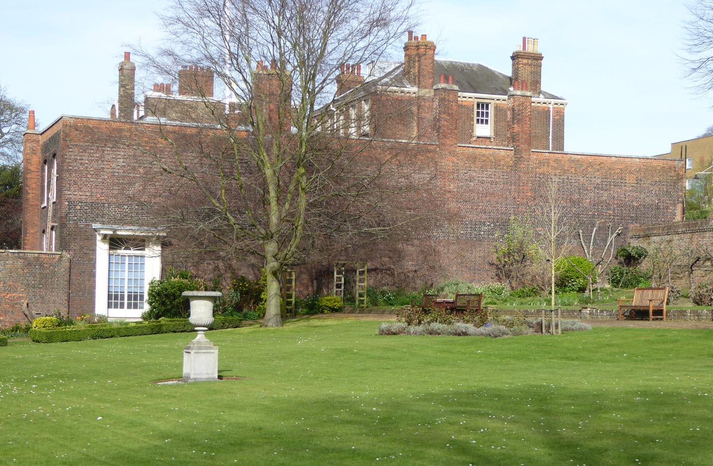 greenjottings: Chatham Dockyard\'s secret garden