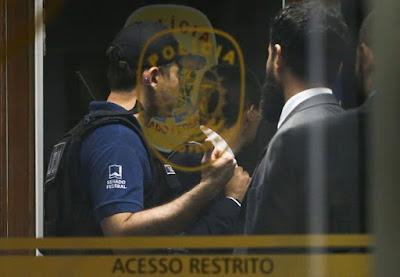 Polícia Federal realiza ação no Congresso e prende policiais