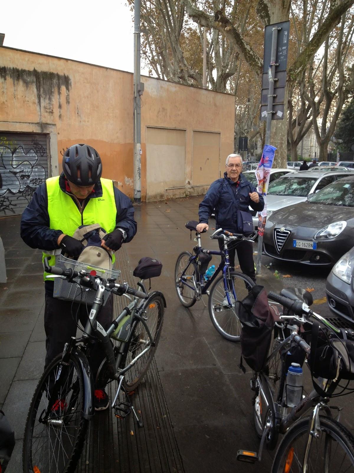 In bici per Roma: I lampioni di Roma e la storia dell'illuminazione pubblica a Roma.