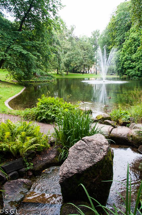 Jardines del palacio real de Oslo. Noruega