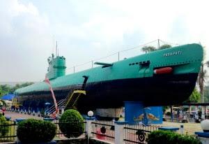 Wisata Monumen Kapal Selam Surabaya