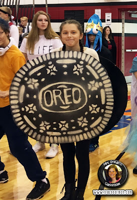 Homemade Halloween costume: Oreo