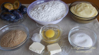 Preparare gomboti cu prune - etapa 1