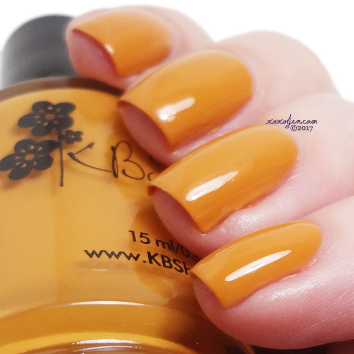 xoxoJen's swatch of KBShimmer Oh My Gourd