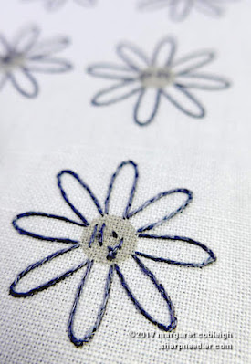 SFSNAD Flower Power Challenge: Outlined daisies