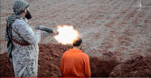 Photos Isis Forces A Man To Dig His Own Grave Before -3308