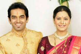 Anuja Sathe Family Husband Son Daughter Father Mother Age Height Biography Profile Wedding Photos