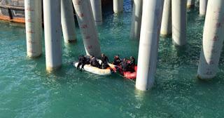 18 morts suite à la chute d'un bus dans la mer