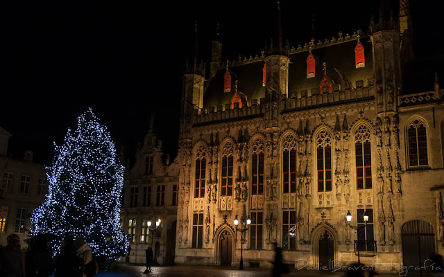 Plaza de Brujas en Navidad