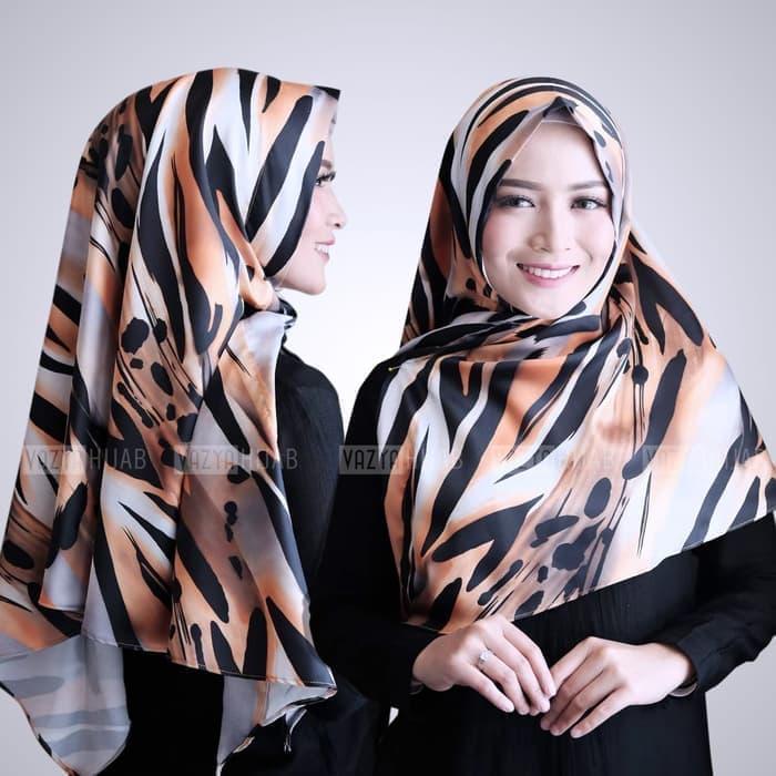 Hijab Jilbab Triangle  / Jilbab Segitiga Instant Motif Loreng