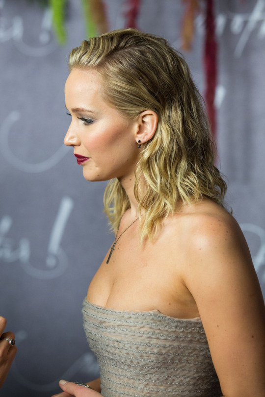 Jennifer Lawrence - Mother! Premiere Paris
