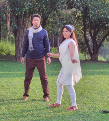 richa-chadha-vicky-kaushal-together-in-funny-aib-video