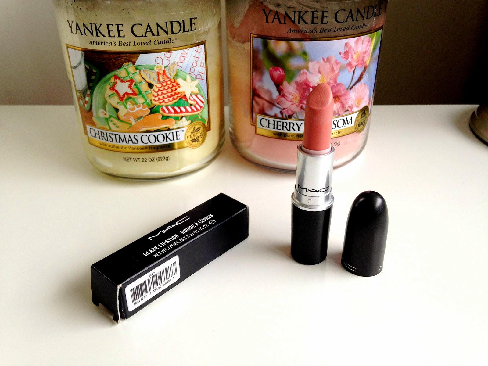 MAC Hue Lipstick