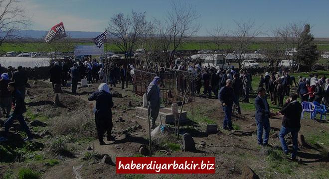 """""""Şehîdên Qerecdaxê"""" yên ku ji teref PKKê ve hatibûn qetilkirin hatin yadkirin"""