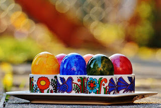 List of gift giving holidays really cool blog there is another story about the red color of easter eggs when mary went to the emperor she told him about the rise of jesus he supposedly said this is negle Choice Image