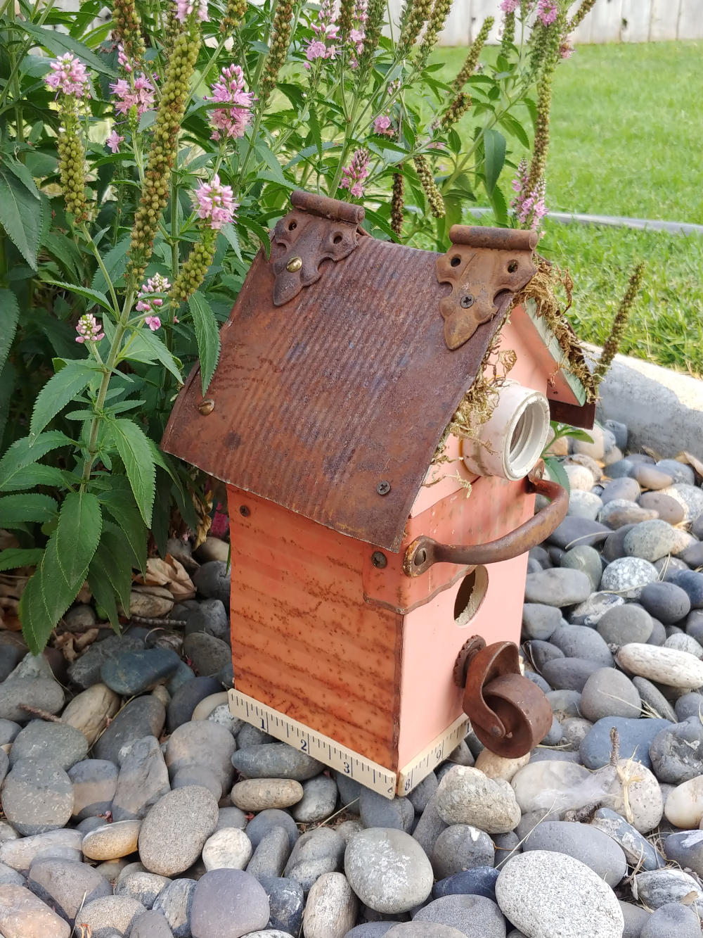 birdhouses made with old junk