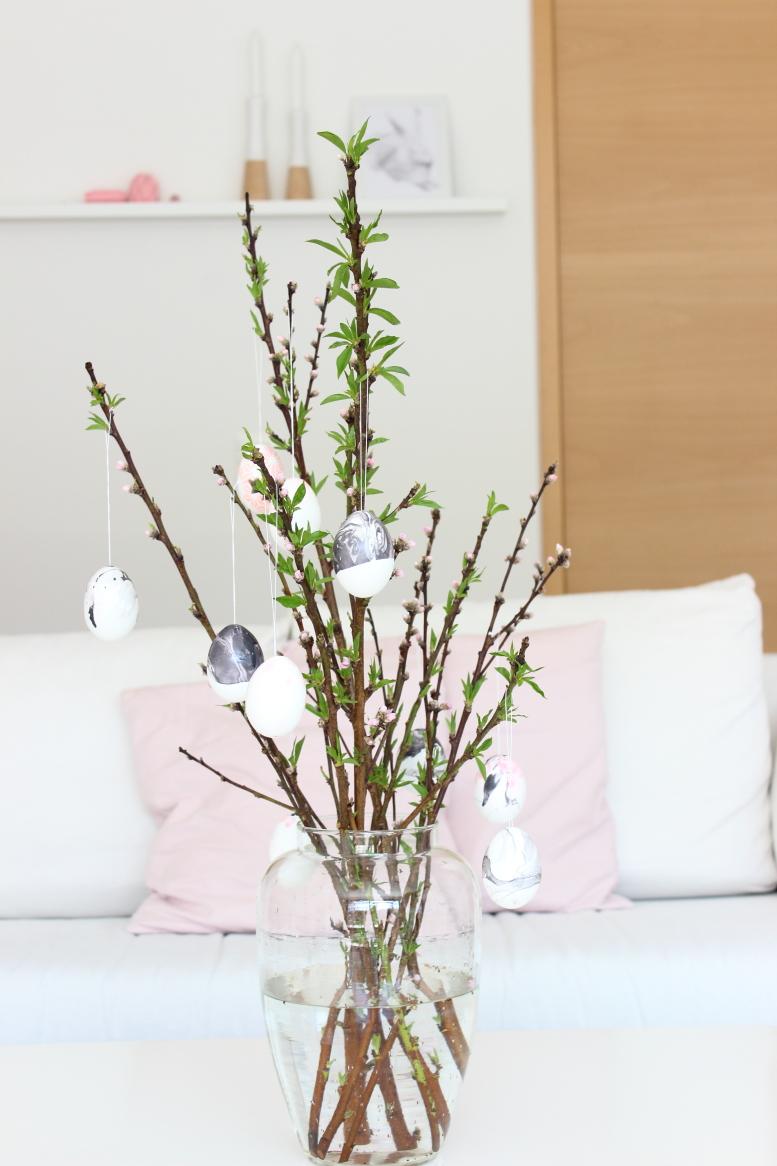Osterstrauß, Ostern 2016, marmorierte Ostereier, Marble eggs, easter,  und die Farbe rosa... Südtiroler Food- und Lifestyleblog kebo homing, Styling und Fotografie