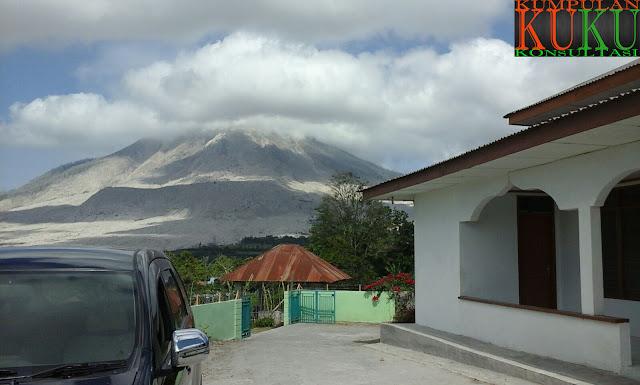 subhanallah, pemandangan indah gunung sinabung via kampung gamber
