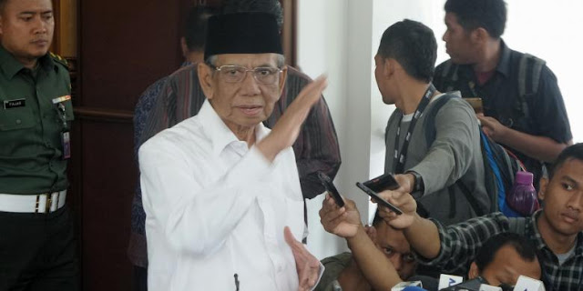 Jokowi Sibuk di Kasus Ahok, Hasyim Muzadi: Masalahnya Diselesaikan, Bukan Panggil Ulama : Berita Terhangat Hari Ini