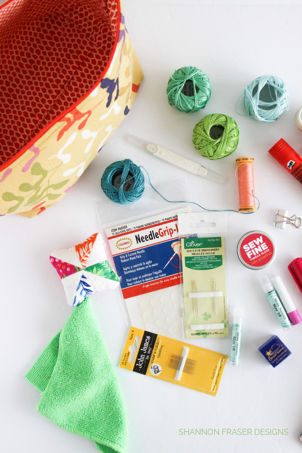 Some of the essential notions & tools | What's in my travel sewing bag | Shannon Fraser Designs