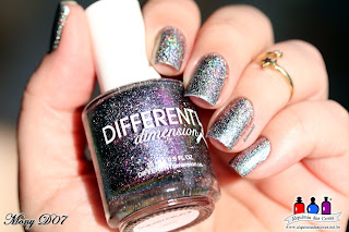 Different Dimension, Supernatural, Holográfico, multichrome, roxo, azul, lavanda, cinza, verde, laranja, cobre, Mony D07, Alquimia das Cores, holographic Flakes, flocos holográficos, esmalte lindo, Extragalatic Collection,