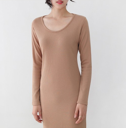 Long Sleeved Scoop Neck Knit Dress