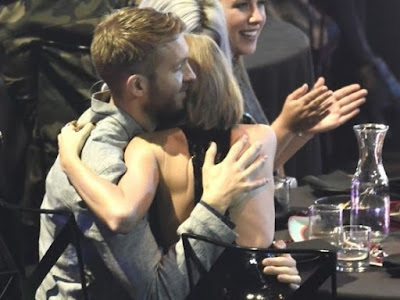 Taylor Swift hug to Calvin Harris After Winning the Award