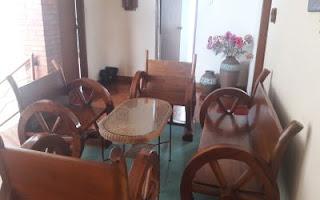 ruang makan villa bivaq yang unik