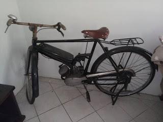 PASAR SEPEDA ANTIK : Dijual Onthel Motor Antik - BOGOR