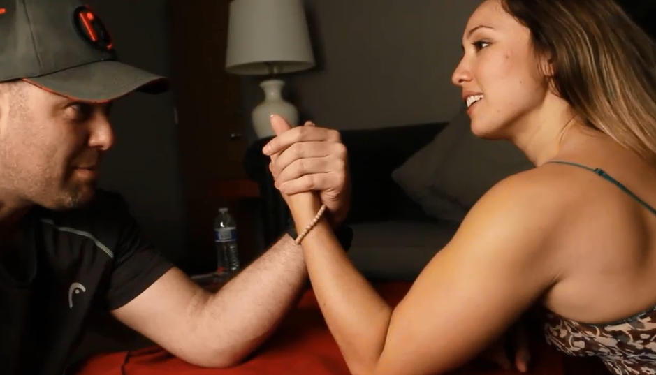 Coach VS girl, mixed armwrestling