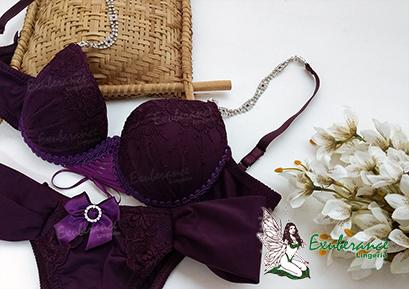 conjunto lingerie roxa com alça e fivela em cristais