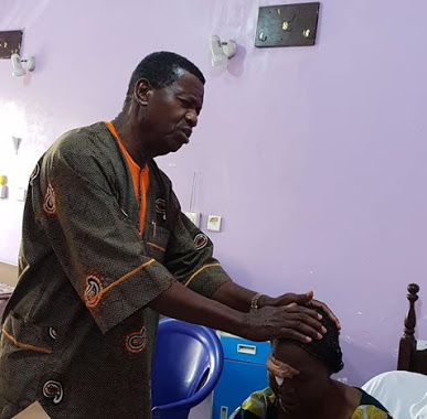Pastor Adeboye Visits Emergency Wards In Two Different Hospitals In Ogun & Lagos