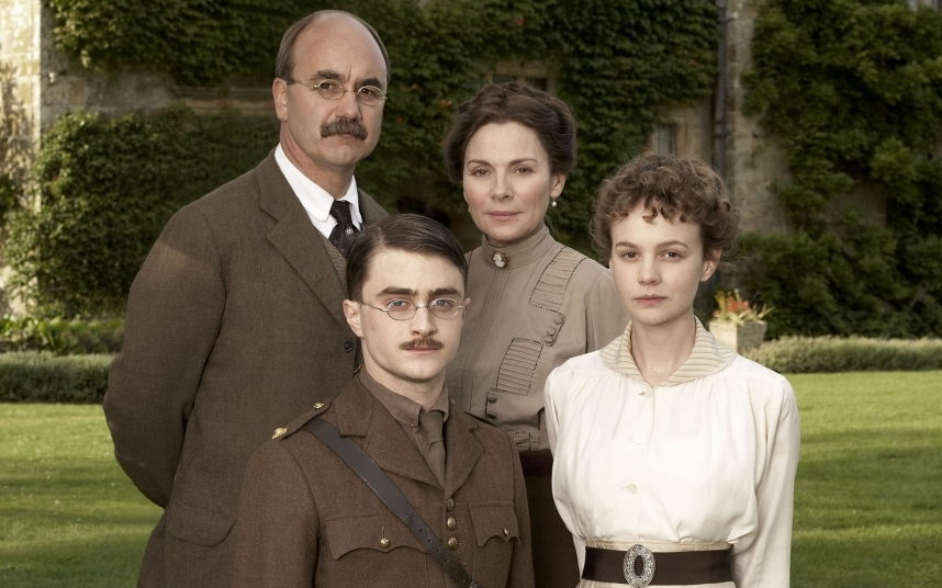 Mulligan played Rudyard Kipling's daughter Elsie in the screen adaptation of David Haig's play. Daniel Radcliffe starred as Kipling's son John (Jack), who the family attempt to track down after he is declared missing in action in the First World War.