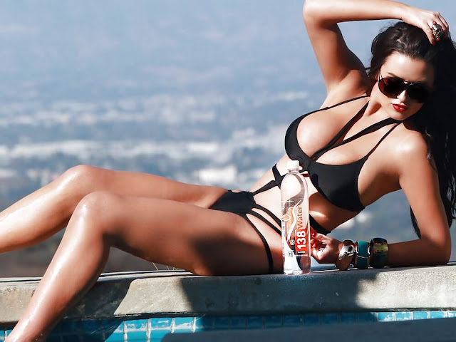 Abigail-Ratchford-hot-bikini-photo-from-water-Photoshoot